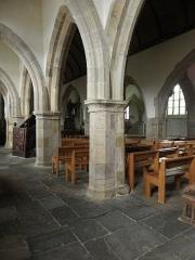 Eglise Notre-Dame et cimetière - Collatéral nord de l'église Notre-Dame de Runan (22).