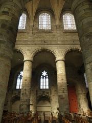 Cathédrale Saint-Etienne - Élévation de la nef de la cathédrale Saint-Étienne de Saint-Brieuc (22).