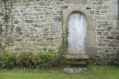 Eglise Saint-Gobrien - Deutsch: Katholische Kirche Saint-Gobrien in Morieux im Département Côtes-d'Armor (Region Bretagne/Frankreich), Tür
