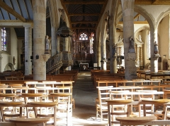 Eglise Notre-Dame - Intérieur de l'église Notre-Dame de Bodilis (29). Vaisseau central et collatéraux.