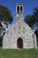 Chapelle Saint-Sébastien de Guernilis - Français:   Façade occidentale de la chapelle Saint-Sébastien en Briec, Finistère, Bretagne, France.