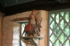Chapelle et fontaine Notre-Dame des Fontaines -  Inside the Oratoire of the Daoulas Abbey: a very rare Bishop St. Théleau (or Thelo) riding a deer (thirteenth century) whose one-day course was to define the territory of the bishopric.
