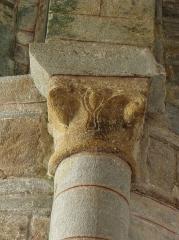 Chapelle Notre-Dame de Kernitron - Chapiteau roman de la chapelle ND de Kernitron en Lanmeur (29).