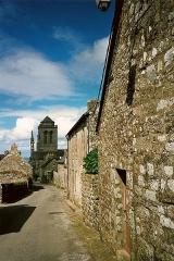 Eglise Saint-Ronan - Français:   L\'église Saint-Ronan vue de la rue de la montagne, Locronan, Pays Glazik, Bretagne