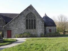 Chapelle Sainte-Marie - Transept sud et sacristie de la chapelle Sainte-Marie-du-Ménez-Hom en Plomordien (29).
