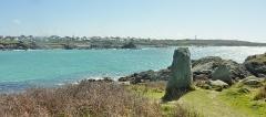 Cromlech Pors-an-Toullou et Ar-Verret - Français:   Porspoder vu depuis la presqu\'île Saint-Laurent; au premier plan le cromlech de la presqu\'île Saint-Laurent.