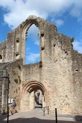 Ancienne abbaye de Saint-Colomban - Français:   Vestiges de l\'ancienne église paroissiale Saint-Colomban à Quimperlé (Finistère, France).
