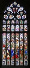 Eglise Notre-Dame-de-l'Assomption ou de Saint-Michel - Français:   Vitrail représentant la Crucifixion de Jésus (XIXe s.) ornant le chevet de l\'église Notre-Dame-de-l\'Assomption - Quimperlé (Finistère, France).