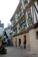 Maison dite Maison des Archers - Français:   Maison à colombages dite Maison des Archers, sise, rue Dom-Morice, n°7 à Quimperlé (Finistère, France).