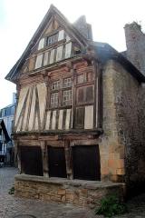 Maison du 16e siècle - Français:   Maison à colombages, sise, rue Dom-Morice, n°9 à Qumperlé (Finistère, France).