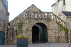 Ancien présidial - Français:   perron doté d\'escaliers de l\'ancien présidial à Quimperlé (Finistère, France).
