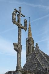 Eglise Saint-Nicaise et cimetière - Deutsch: Calvaire bei der katholischen Kirche Saint-Nicaise in Saint-Nic im Département Finistère (Region Bretagne/Frankreich)