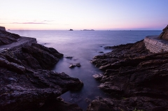 Ile Harbour et son fort -  Coastal Path on DInard's coastline, as seen at late dusk. ND400 filter was used to get this shot. Fort Harbour can be identified in the far center.