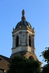 Eglise Notre-Dame-en-Saint-Mélaine - Français:   Clocher de l\'église Notre-Dame-en-Saint-Melaine vu du cloître.