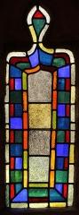 Chapelle Saint-Cado - Vitrail de l'autel de la chapelle primitive, chapelle Saint-Cado, Fr-56-Belz.