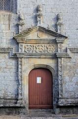 Eglise Notre-Dame-de-la-Fosse - Église Notre-Dame-de-la-Fosse: porte sud-est