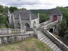 Chapelle Sainte-Barbe et maison du garde - Degrés, oratoire Saint-Michel et chapelle Sainte-Barbe du Faouët (56).