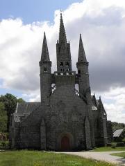 Chapelle Saint-Fiacre - Français:   Façade occidentale de la chapelle saint-Fiacre du Faouët (56).