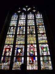 Eglise Notre-Dame-du-Roncier - Basilique Notre-Dame-du-Roncier de Josselin (Morbihan, France): vitrail de saints