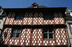 Maison du 16e siècle, dite Maison Morice - Français:   Maison ancienne à colombages dite Maison Morice (XVIe siècle), sise rue Olivier-de-Clisson, 23 à Josselin (Morbihan, France).
