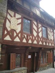 Deux maisons en pans de bois - Français:   Maison, 7 rue des Trente, à Josselin (Morbihan, France)
