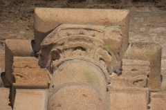 Eglise Notre-Dame-de-Joie - Chapiteau de l'église Notre-Dame-de-Joie (Merlevenez)