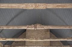 Chapelle Saint-Méen - Deutsch: Kapelle Saint-Méen in Ploemel im Département Morbihan (Region Bretagne/Frankreich), Holzdecke mit geschnitzten Balken