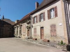 Château - English: Pionsat (Puy-de-Dôme) cour du château