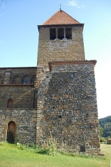 Eglise Saint-Saturnin - Deutsch: Chanteuges, Kirche, Turm und Treppenturm