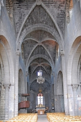 Eglise Saint-Saturnin - Deutsch: Chanteuges, Kirche, Mittelschiff zum Chor