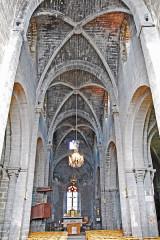 Eglise Saint-Saturnin - Deutsch: Canteuges,Kirche, Mittelschiff zum Chor