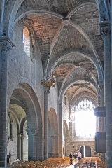 Eglise Saint-Saturnin - Deutsch: Chanteuges, Kirche, Mittelschiff nach W