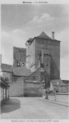 Ancien château ou Palais des ducs de Bourbon - Nederlands:   Kasteel van de Boubons in de 14de eeuw
