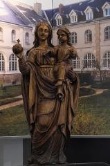 Hôtel Demoret et chapelle Babute - Deutsch: Madonna mit Kind, Ausstellung im Hôtel Demoret (Espace Patrimoine), in Moulins im Département Allier (Auvergne-Rhône-Alpes/Frankreich)
