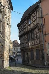 Maison - Deutsch: Gebäude, Rue de l'Ancien-Palais Nr. 11, in Moulins im Département Allier (Auvergne-Rhône-Alpes/Frankreich)
