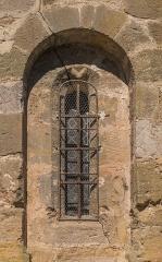 Eglise - English:   Window of the Saint Lawrence Church of Cruéjouls, Aveyron, France