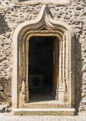 Ancien couvent des Pénitents - English: Portal of the Penitents Church in Saint-Geniez-d'Olt, Aveyron, France