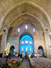 Ancienne abbaye - English: Aveyron Sylvanes Monastere Eglise Nef 14082012