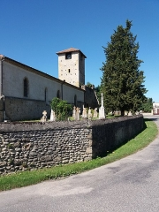 Eglise - Français:   Église et cimetière.