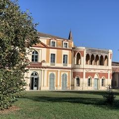 Maison dite Maison du Barry - Français:   Maison du Barry à Lévignac (Haute-Garonne) côté jardin