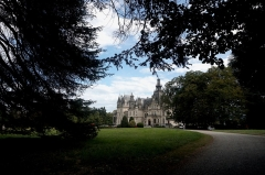 Domaine de Valmirande - English: The Château de Valmirande is located in Montréjeau, Haute-Garonne. It was built from 1893 - 1905 for Baron Bertrand de Lassus by architect Louis Garros. It is built in an extravagant Neo-Renaissance style, with a large arboretum of more than 180 species of trees and classical French gardens on both sides of the castle. The estate has been classified as a historic monument since 1992. Photo taken on September 22nd, 2019.
