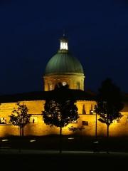 Hospice de la Grave - Vue du rempart Saint-Cyprien et de l'hôpital de la Grave à Toulouse