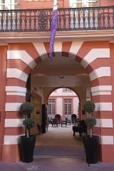 Hôtel Dassier - Français:   Portail de l\'hôtel Dassier, probablement 18ème siècle, Toulouse.