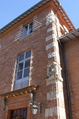 Ancien hôtel de Lestang - Français:   Pilastre d\'angle de Hôtel de Lestang, fin XVIème s. - début XVIIème s., Toulouse.