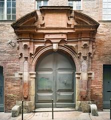 Hôtel Pierre Comère - English:  Main entrance of