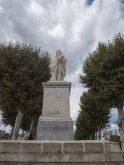 Allées d'Etigny -  Statue du baron d'Étigny à Auch / Gers /  France