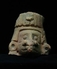 Ancien couvent des Jacobins -  Fragment de statuette de culture aztèque, musée d'Auch.