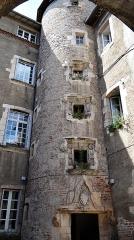 Immeuble - Français:   Cahors - Hôtel d\'Alamand, 40 rue du Portail-Alban - Tour-escalier