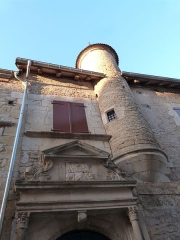 Maison Arcambal - Français:   Fronton et tourelle sur al façade de la Maison Arcambal