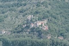 Ruines du château - English: View of castle of Montbrun from Saut de la Mounine, Lot department, France